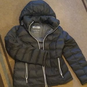 Packable puffy jacket